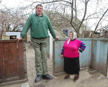 اطول رجل في العالم 2g